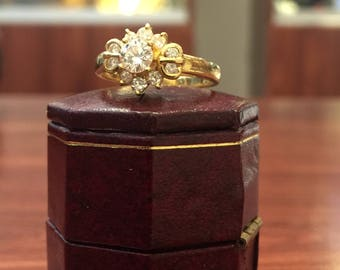 Flower Shaped 0.60ct Diamond Cluster Ring in 18K Yellow Gold. G/VVS.