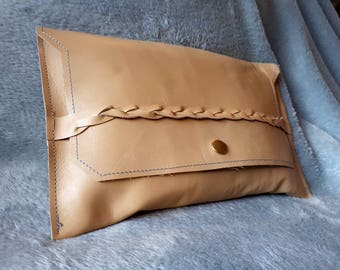 Beautiful clutch of beige leather with boho lining