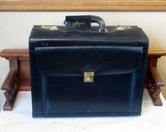 Spring Sale Vintage Avenues America Trial Case Or Catalog Case Black Leather With Gold Toned Hardware And Pop-out Fan File- Very Nice - EUC