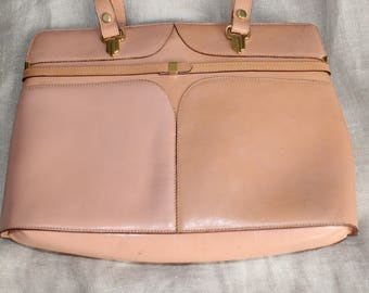 Lancel Paris Vintage year 60's leather Box bag in nude with gold rivets Piece Collection of Rare Retro pink two-tone excellent condition