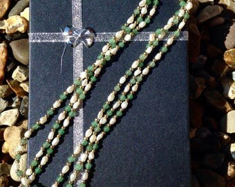 Vintage style pearl and aventurine necklace