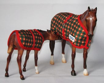 Breyer Horse Mare and Foal with Blankets, Nursing Filly, Colt