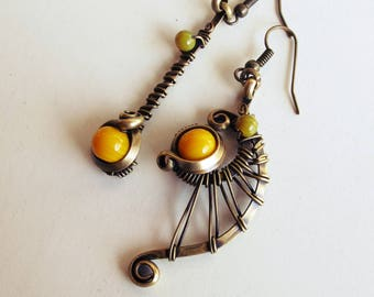 Ethnic asymmetrical earrings - yellow / khaki - brass