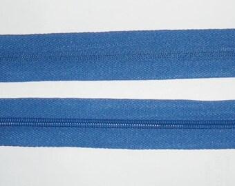 Zipper zips dark blue