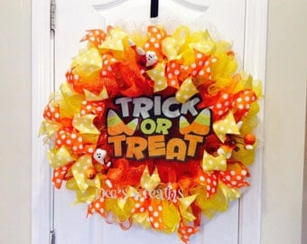 Halloween Trick and Treat wreath