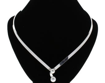 Silver Plated Clasp In Front Choker Necklace Collar