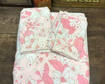 Vintage Sheets Linens Full/Double Flat Fitted 2 Pillowcases Pink Floral