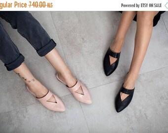 SALE Black mules, flat mules, women mules, women's shoes, black shoes, black clogs, handmade leather shoes by Burlinca. Lia model.