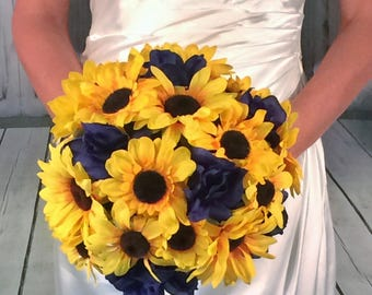 Sunflower and Navy Bouquet, Sunflower Blue Wedding, navy blue bouquet, sunflower boutonnière, Rustic Wedding bouquet, Faux Flower Bouquet