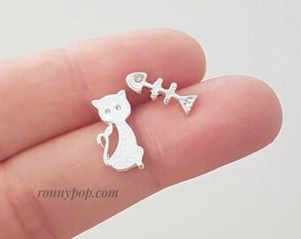 Cat and Fish Earrings - Cat Earrings - Cats Earrings - Animal Earrings - Studs Earrings - Dainty - Silver - Gold - Cat Jewelry - Gift Ideas