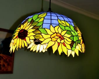 Sunflowers Tiffany Lamp shade. Stained glass lamp. Pendant lamp. Stained glass lamp shade. Glass art. Mosaic lamp. Tiffany style lamp shade