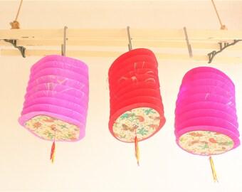 Vintage paper lanterns Chinese Butterflies Oriental lantern // Party Decorations// Hong Kong 1950s// SALE