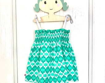 Girls sundress, girls dress, girls green dress, girls summer dress, girls shirred dress, toddler sundress
