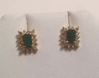 Vintage 14K Yellow Gold Green Emerald & Diamond Halo Post Stud Pierced Earrings