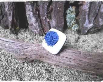 Natural lichen and polymer clay ring