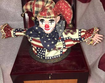 Thomas Pacconi Classics 1900-2000 Jack in the box wood with Porcelain Jester works!