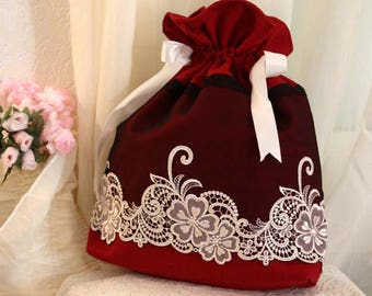Burgundy tulle pouch bag black wide White Ribbon embroidery white