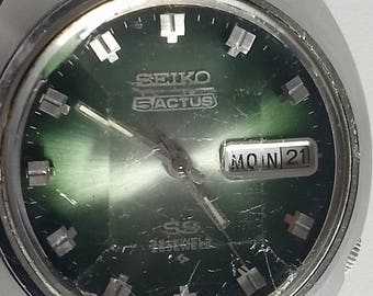Super rare Seiko 5 Actus SS 25 Jewel automatic gents watch - with amazing cut glass face
