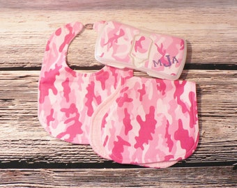 Perssonalized Pink Camo Bib with two Burp Cloths and Travel Wipes Case, Baby Shower Gift Set, Bib and Burp Cloth Gift Set, Newborn Gift Set,