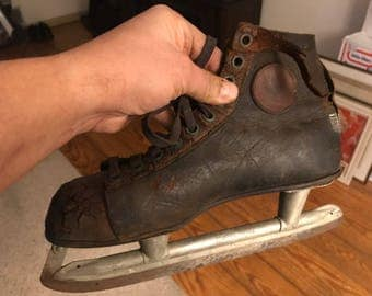 Vintage Ice Skates . Antique Ice Skates . Old ice skates .