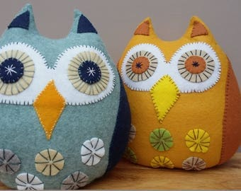 doorstop. Owl. Felt. Handmade. Decoration. Hand stitched. Heavy. bookends paperweight