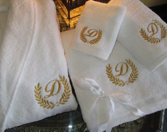 5* Hotel Edition White Set - Bathrobe, Bath Towels with Gold Thread Personalized
