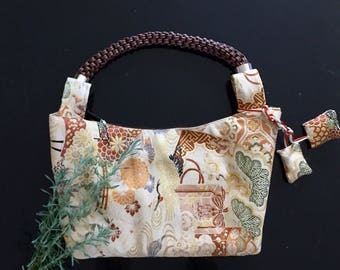 Vintage ovi silk handbag