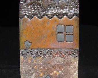 Small decorative house raku plate