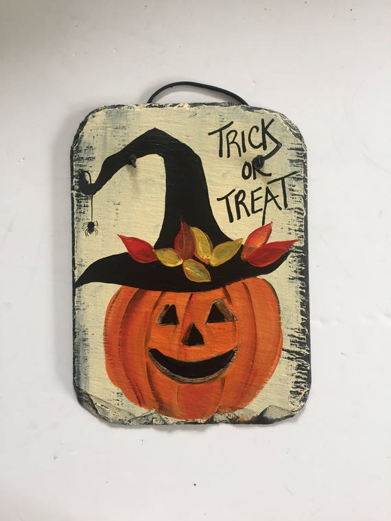 Halloween Jack-o-Lantern welcome sign, Halloween Slate Door hanger, Fall decorations, trick or Treat, Halloween decor, Thanksgiving decor