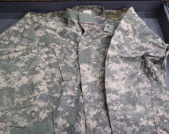 Genuine US Military Surplus ACU BDUs! Perfect for fabric crafts!