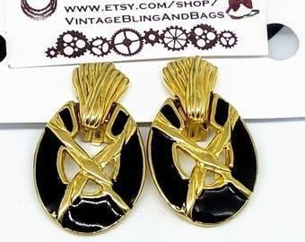 1980s 37x23mm 1980s chunky clip on earrings, black enamel clip on earrings, vintage statement earrings, 1980s black enamel earrings