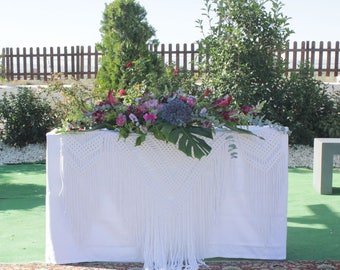 Altar decoration macrame. Macrame for weddings. Decoration bridal table. White tapestry of macrame for weddings. Bohemian wedding decoration