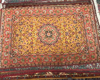 Bright flowered rug 100%wool floral pattern rug bright yellow red and green color warm vintage old mid retro suitable for home&restaurant.