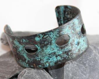 Striking Copper Cuff Bracelet with Unique Design (100917-005)