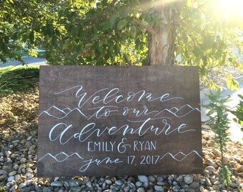 Wedding Welcome Sign . Hand lettered . Rustic Wedding . Welcome Sign . Wedding Ceremony Sign . Wooden Sign . Hand painted wedding signs