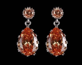 Cubic zaconia oval shapped earring