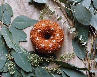 Hand knit donut / Autumn