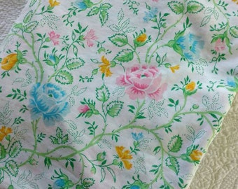 "Vintage Full Fitted Sheet / ""Juliette"" pattern from JCPenney / 1970s / bold floral, spring"