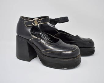 platform mary jane shoes / size 7