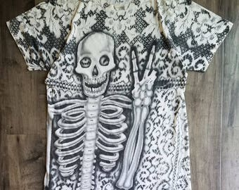 Graffiti Hand Drawn Tee Size XL