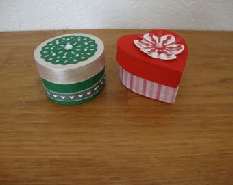 2 small jewelry boxes