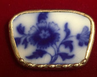 Broken China Broach/Pendant  -- #40,003