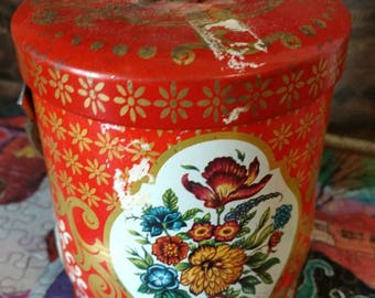 Vintage  DAHER TIN. Made in England
