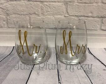 Wedding Toasting Glasses,Wedding Toasting wine glass,Mr. and Mrs. Toasting set, Toasting set,stemless toasting set,Bride and Groom Toasting