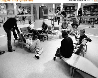 ON SALE The Breakfast Club - Behind The Scenes - Photo - John Hughes - Molly Ringwald - Judd Nelson - Emilio Estevez - Ally Sheedy - Photogr