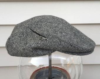 The Worlds Best Cabbie Newsboy Hat Black and Gray Herringbone Medium 7 1/8