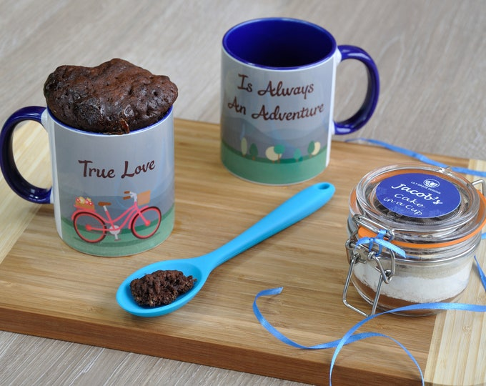 Engagement romantic gift cake, wedding gift sweet treat, personalised engagement, happy couple, newly engaged, true love adventure