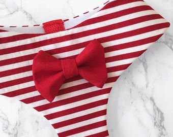 Softharness with bow tie in red stripes