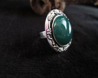 """""""vintage"""" with jade cabochon ring"""