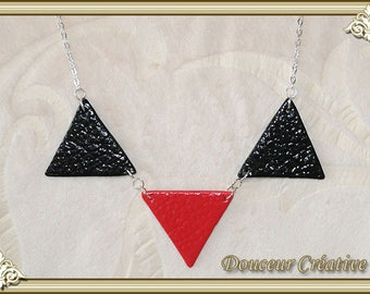 Triangle leather 103055 effect red black necklace